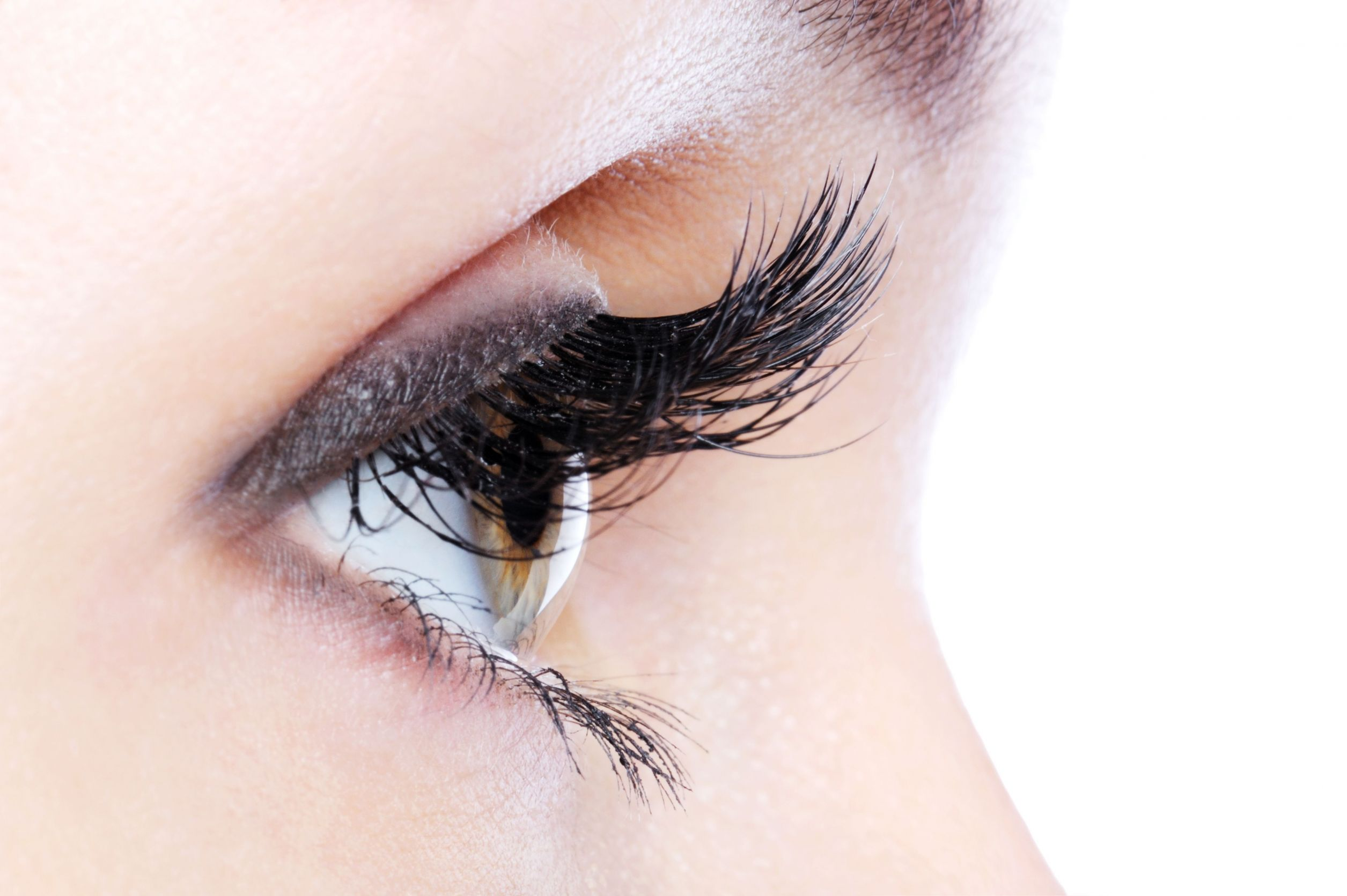 Get Long Lush Eyelashes Naturally
